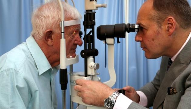 У США винайшли імплант, здатний частково повернути зір сліпим людям