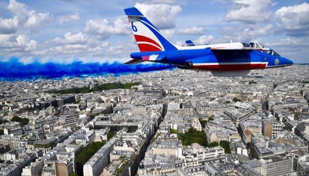 У Парижі пройшов військовий парад з нагоди Дня взяття Бастилії
