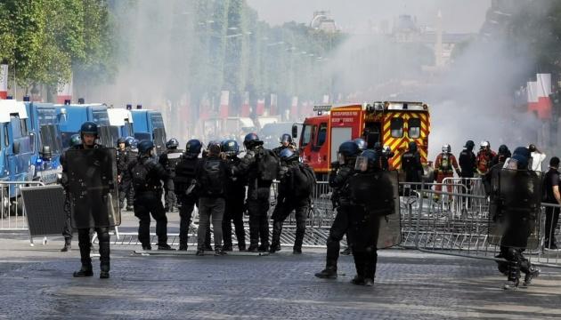 День взяття Бастилії: у Парижі виникли сутички, понад 150 затриманих