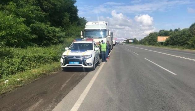 Два въезда в Черновцы перекрыли для грузовиков