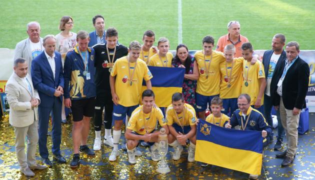 Українська команда стала чемпіоном світу з футболу серед вихованців дитбудинків