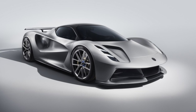 400 километров без подзарядки: Lotus представил новый супер-электрокар
