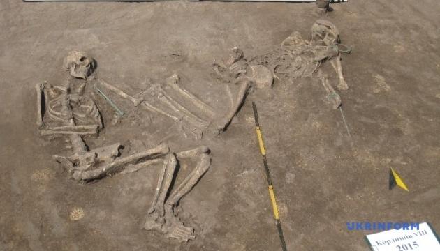 Археологи нашли на Тернопольщине артефакты бронзового века и древнерусские захоронения