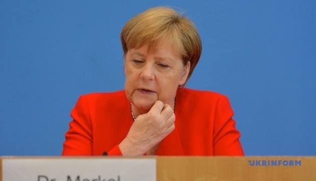 メルケル独首相、欧州各国の右派ポピュリズム政党へのロシアの支持を懸念