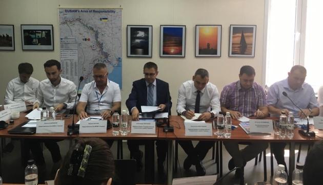Реконструкцію двох пунктів пропуску на кордоні з Молдовою завершено на 70%