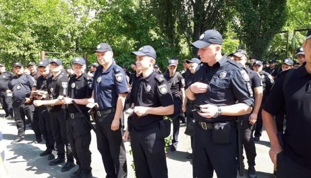 День виборів: поліція вже отримала понад 800 заяв та відкрила 10 справ