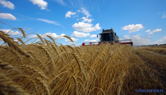 Аграрии собрали урожай почти с половины засеянных площадей