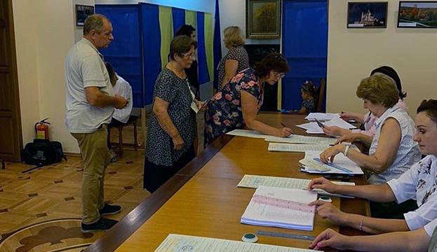 Вибори Верховної Ради у Молдові проходять без порушень і скарг