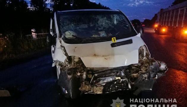 На Тернопольщине два Renault не поделили трассу: 8 пострадавших, среди них - дети