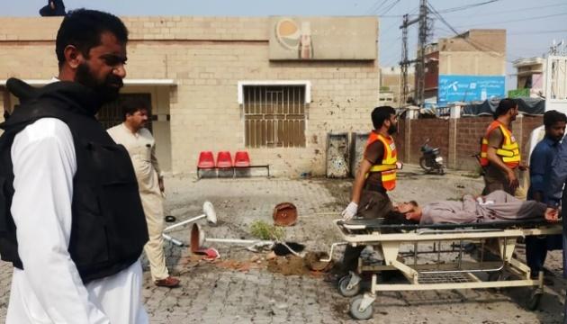 Стрілянина з вибухом в Пакистані забрала життя дев'ятьох людей