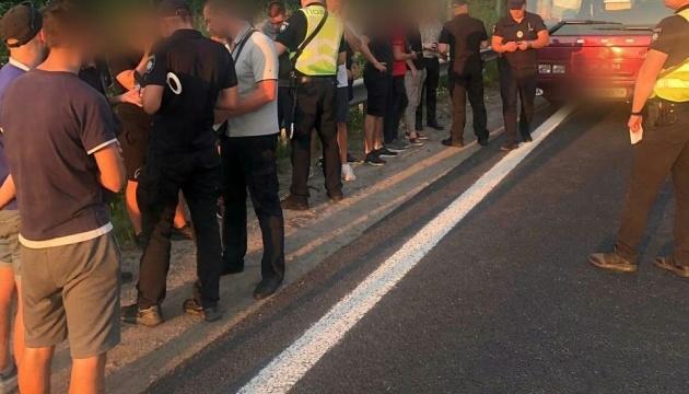 На в'їзді до Києва поліція перевіряє автобуси
