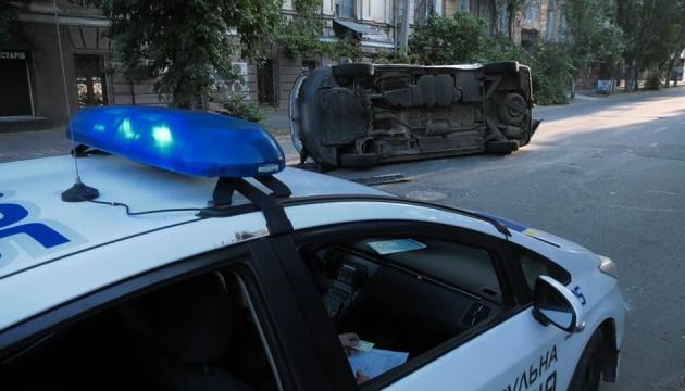 В Херсоне в ДТП попало авто, которое перевозило избирательные бюллетени