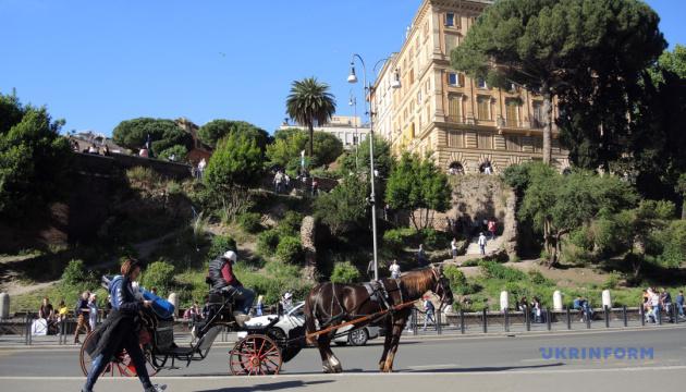 Туристы не смогут прокатиться по улицам Рима в конном экипаже