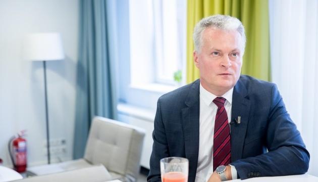 Президент Литви привітав Зеленського з перемогою