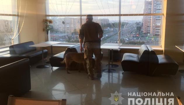 У Харкові шукали бомби у будинках, лікарнях і ТЦ — всього на 102 об'єктах