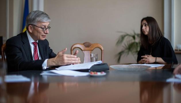 В Офісі Президента зустрілися з головою Місії СКУ зі спостереження за виборами Чолієм