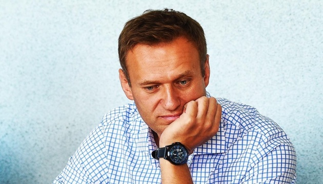 У Навального кажуть, що він досі в комі