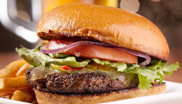 Университет в Британии запретит бургеры ради спасения окружающей среды
