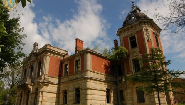 На Львовщине устроят лагерь-резиденцию для спасения замка в Тартакове