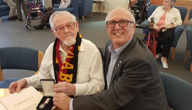 Українця з Мельбурна нагородили медаллю «90 років ОУН»