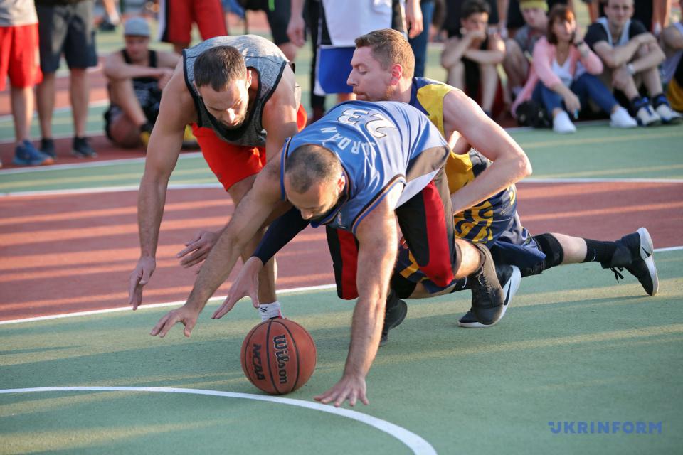 Abren un Parque Urbano, complejo de canchas equipadas para deportes de calle, en Járkiv / Foto: Viacheslav Madiyevsky, Ukrinform