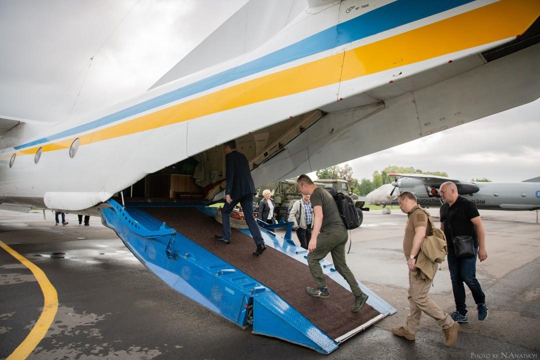 Документи вирішили перевезти літаком МВС