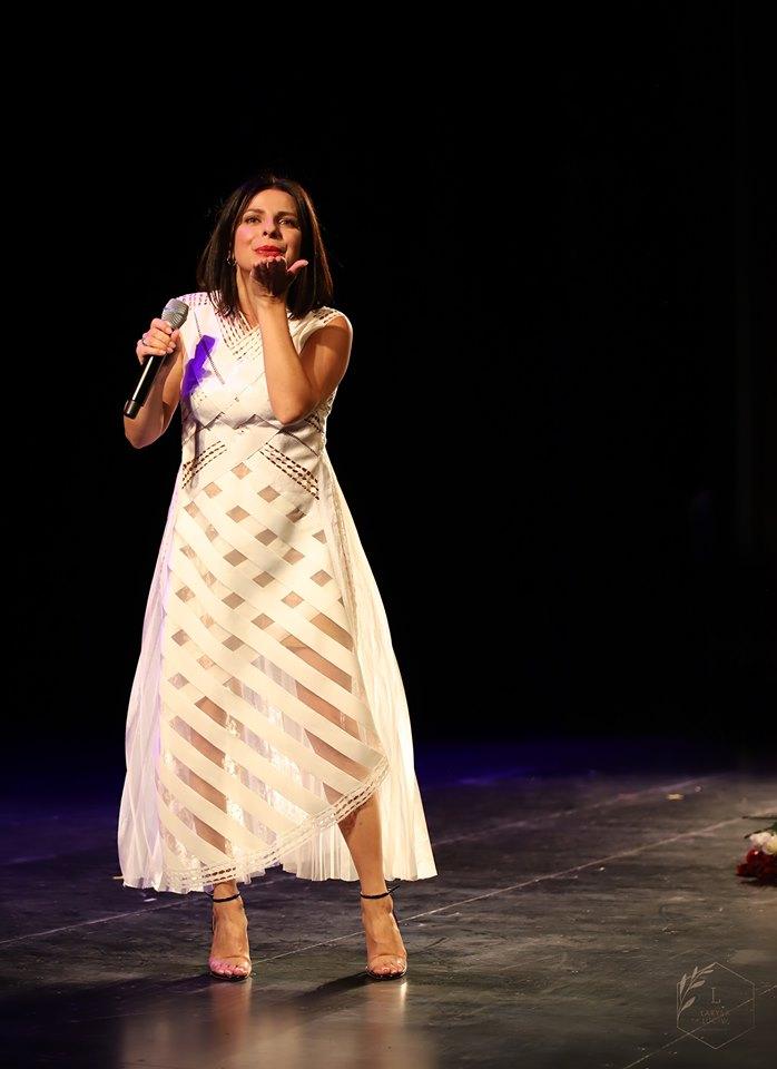 1566549810 585 - Оксана Муха з Едмонтона і Калгарі розпочала серію концертів у Північній Америці