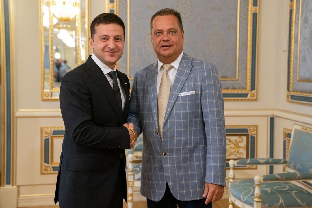 Президент України В. Зеленський Віце-президент СКУ А. Футей