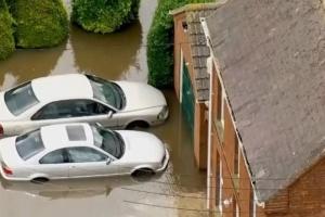 Джонсона просять оголосити надзвичайний стан через повені у Британії