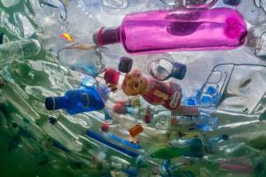 Вчені винайшли спосіб переробки всіх видів пластику