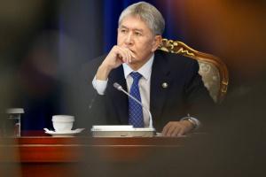 Суд оставил под арестом экс-президента Кыргызстана