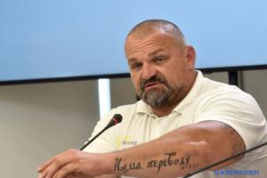 У Львові стронгмени збираються встановити рекорд з перетягування трамваїв