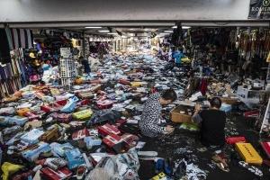 Аномальна злива у Стамбулі: затоплений Гранд-базар евакуювали