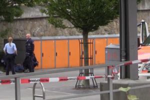 У Німеччині чоловік напав з ножем на людей на вокзалі, є жертви