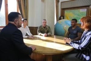 Полторак зустрівся з новообраними депутатами Ради, які працювали у ЗСУ