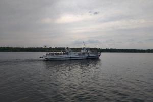 Туристам предложили путешествие по Днепру вокруг Хортицы