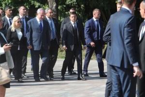 ゼレンシキー大統領とネタニヤフ・イスラエル首相、バービー・ヤールの犠牲者を追悼