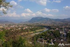 У Лаосі автобус із туристами упав у прірву: 13 загиблих