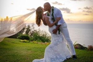 "Актор Двейн ""Скеля"" Джонсон таємно одружився на Гаваях"
