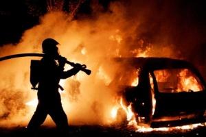 В Киеве ночью горели иномарки