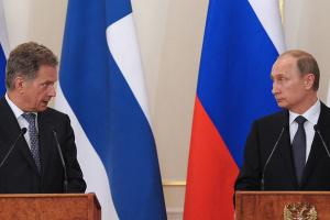 Президент Финляндии перед визитом в Киев поговорил с Путиным об Украине