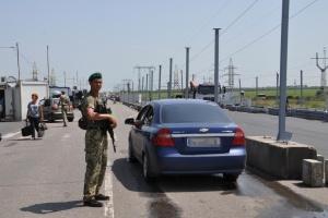 У пунктах пропуску на Донбасі у чергах – 230 авто
