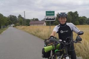 Молодий волинянин проїхав велосипедом від України до Франції