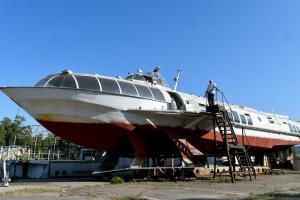 У Запоріжжі намагаються відновити останній в Україні човен на підводних крилах