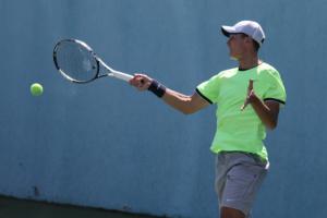 Украинский теннисист Девятьяров вышел в 1/2 финала 15-тысячника в Израиле