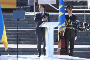Зеленский заявил, что каждое его утро начинается с смс от Генштаба