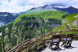 Грузия вводит льготы для туристической отрасли, пострадавшей от санкций РФ