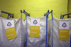 Одяг зі сміття продемонструють у Чернігові у Всесвітній день прибирання
