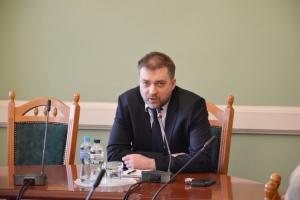 Міністр оборони каже, що Зеленський - у курсі всіх справ армії
