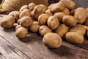 """В Україні """"просіли"""" ціни на картоплю"""